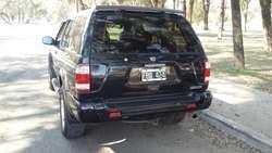Nissan Pathfinder M/2005 V6, 3.5 Full Cuero Automática. Excelente Estado. Con GNC 5ta generación.