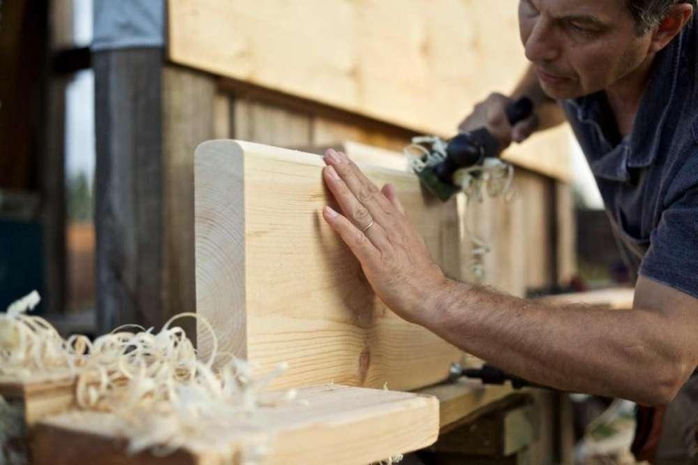 Buscamos Fabricantes de Instrumentos musicales madera metal
