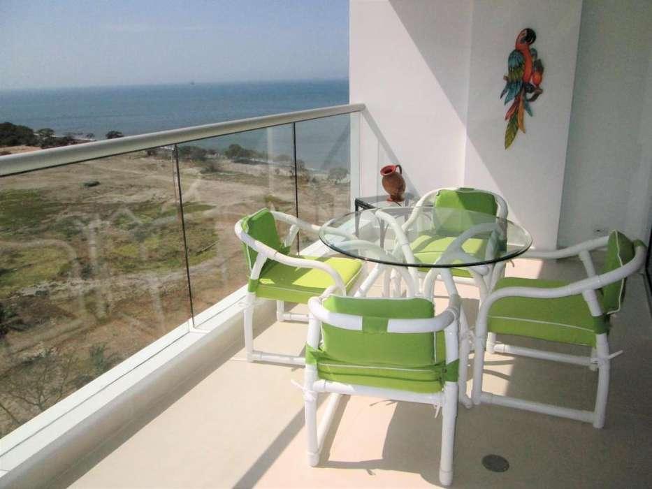 Cómodo apartamento 2 habitaciones y 2 baños, con excelente vista al mar y las montañas