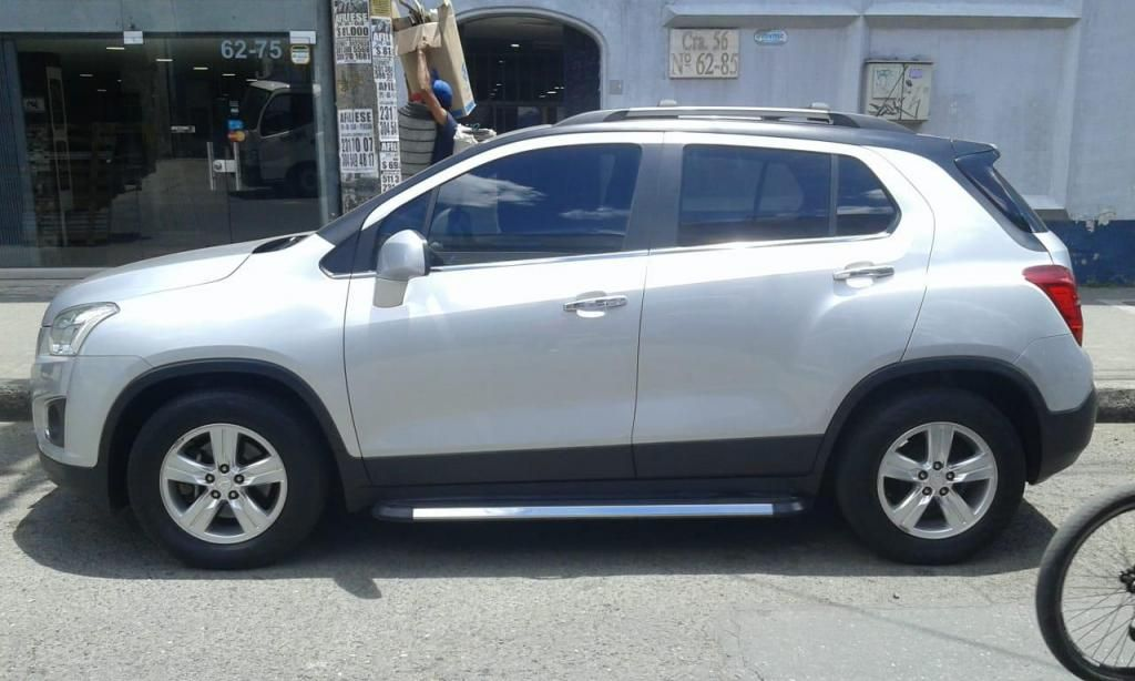 VENDO CHEVROLET TRACKER FULL