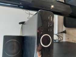 Home theater PHILLIPS HTS5550 DVD, USB, 6 parlantes, control remoto, entrada micrófono