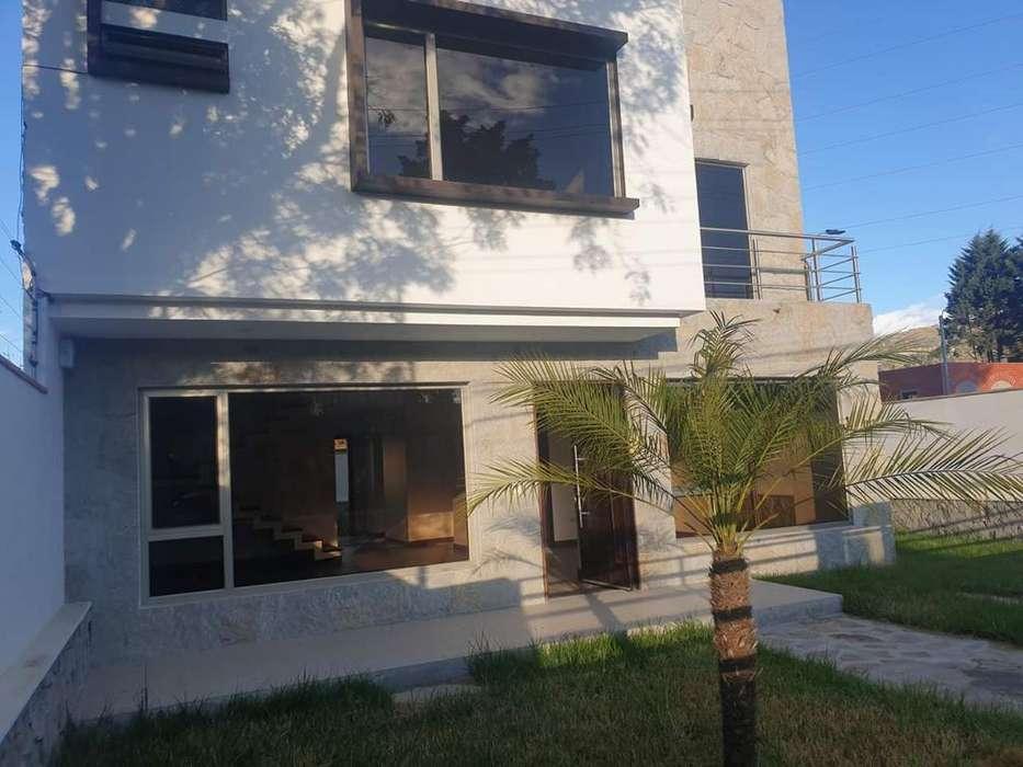Casa Amplia en Arriendo, Challuabamba