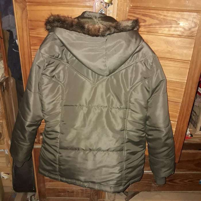 Campera de <strong>mujer</strong> Talle 5 con Capucha Abr