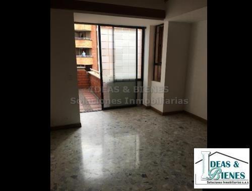 Apartamento En Venta Medellín Sector Laureles: Código 876236