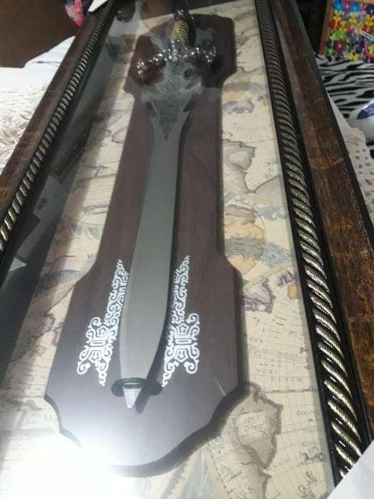 Espada en Azero Cuadro <strong>vitrina</strong>