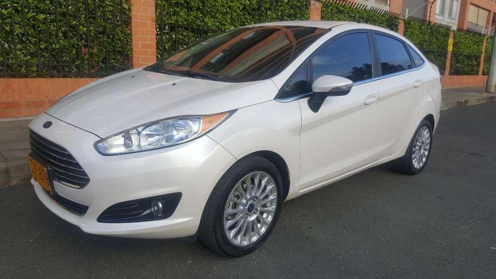Ford Fiesta  2016 - 63000 km