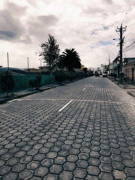 Venta Terreno / Lote, Santa Lucia, Norte de Quito, De Los Nopales Excelente Para Constructores