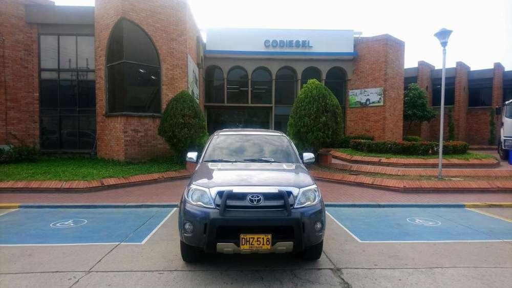 Toyota Hilux 2012 - 168000 km