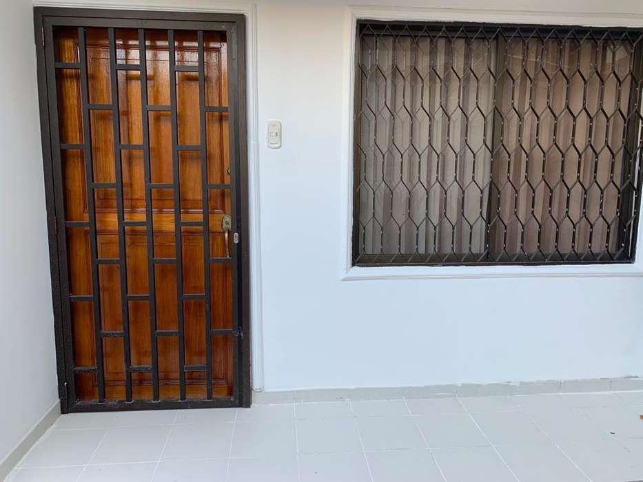 Se Vende Casa de 3 pisos en CRESPO, Cartagena.