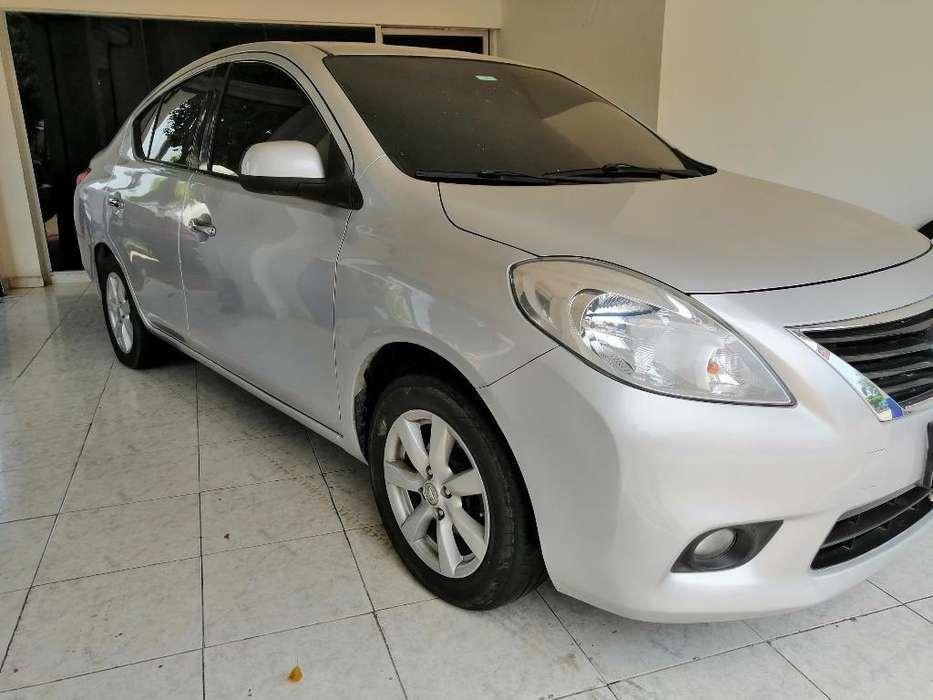 Nissan Versa 2012 - 97000 km