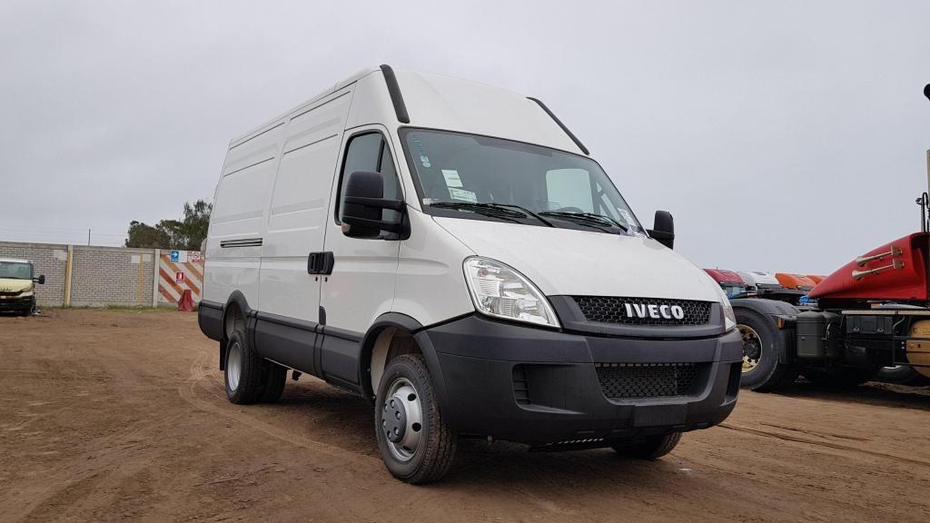 Camión Iveco Daily Furgón 2017