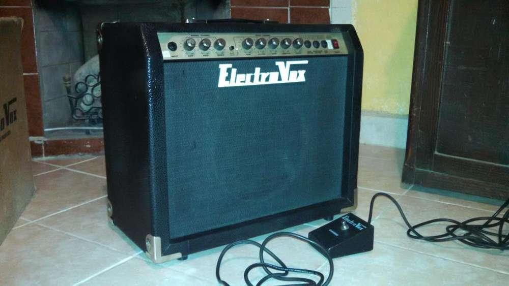 COMO NUEVO... VENDO Amplificador ELEXTROVOX 40W con todos los accesorios en caja
