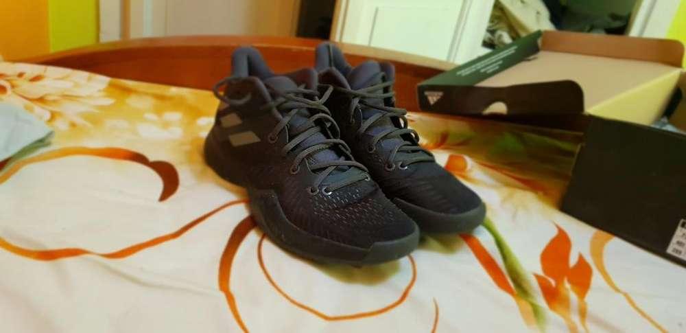 Vendo Zapatos Adidas para Basketball