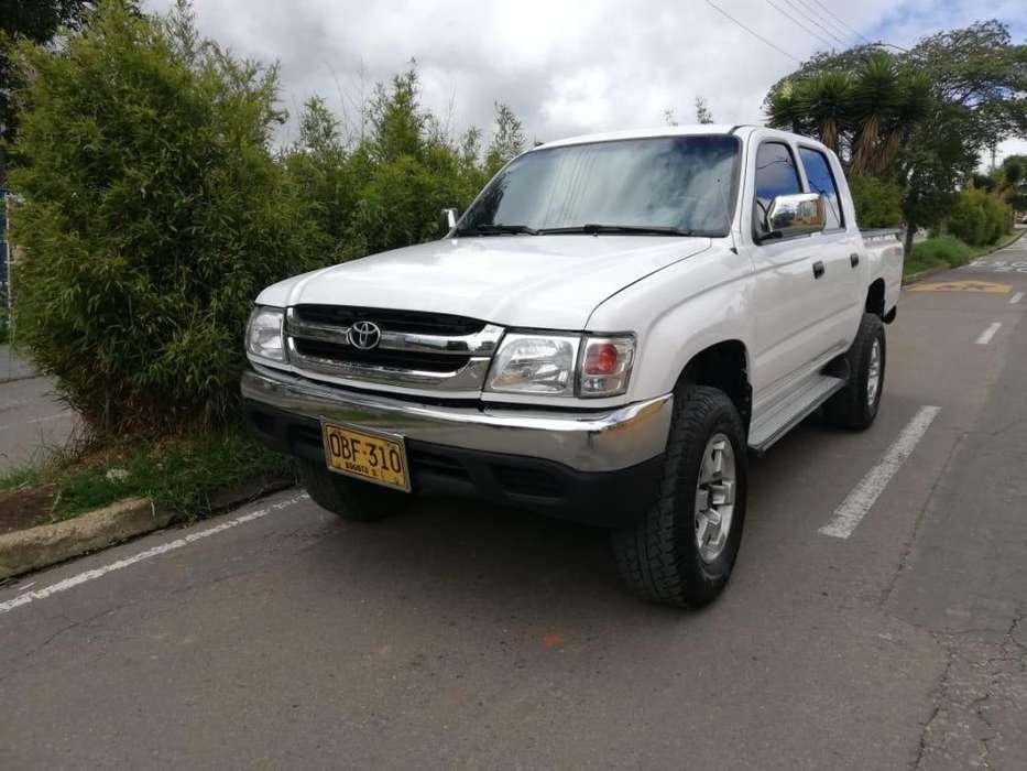 Toyota Hilux 2003 - 160000 km