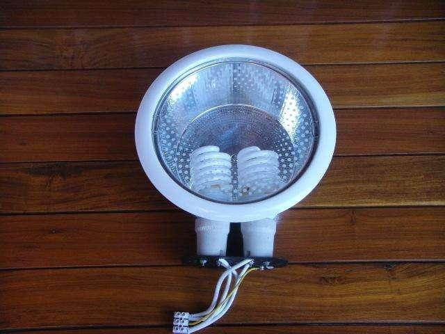 SPOT DE EMBUTIR BAJO CONSUMO CON 2 LAMPARAS watsap 116-140-0746
