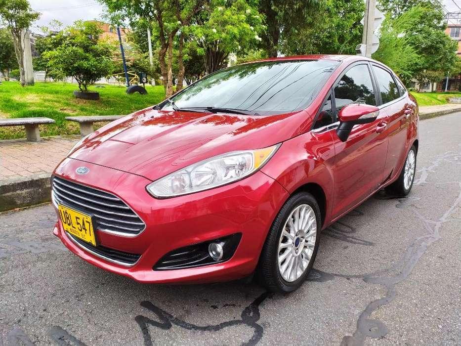 Ford Fiesta  2015 - 35100 km