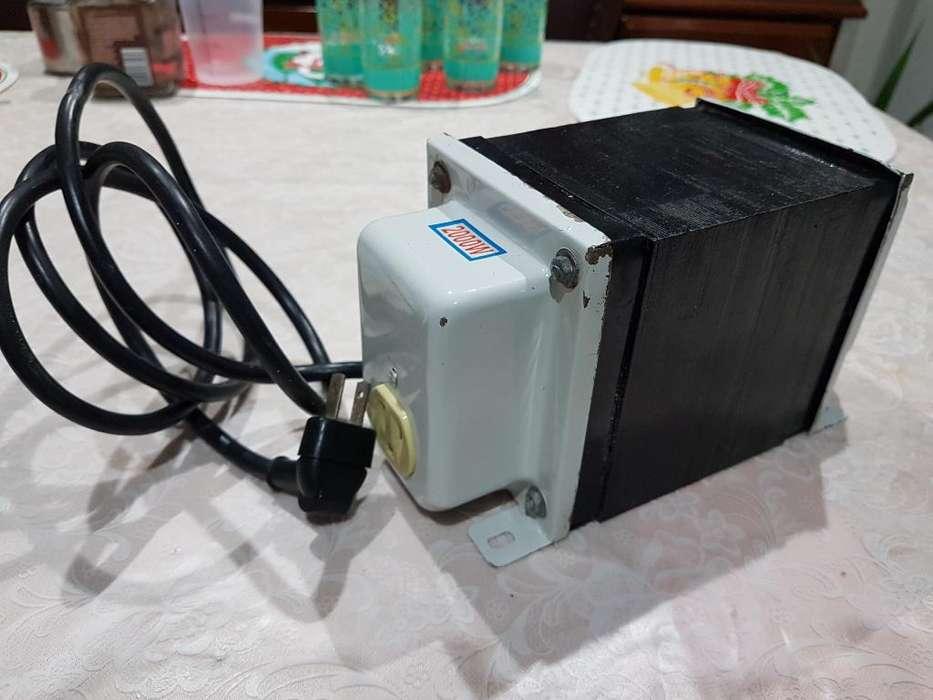 Vendo Transformador de 2,000 Watts.