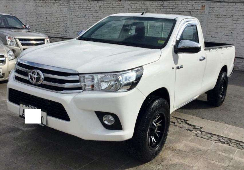 Toyota Hilux 2019 - 16000 km