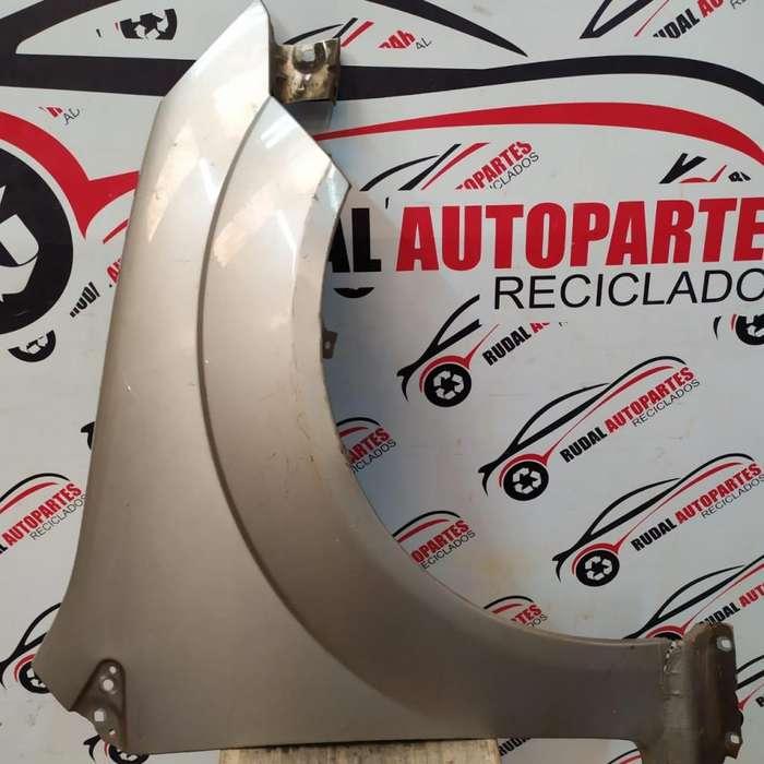 Guardabarro Delantero Derecho Ford Fiesta Max 3800 Oblea:02311071