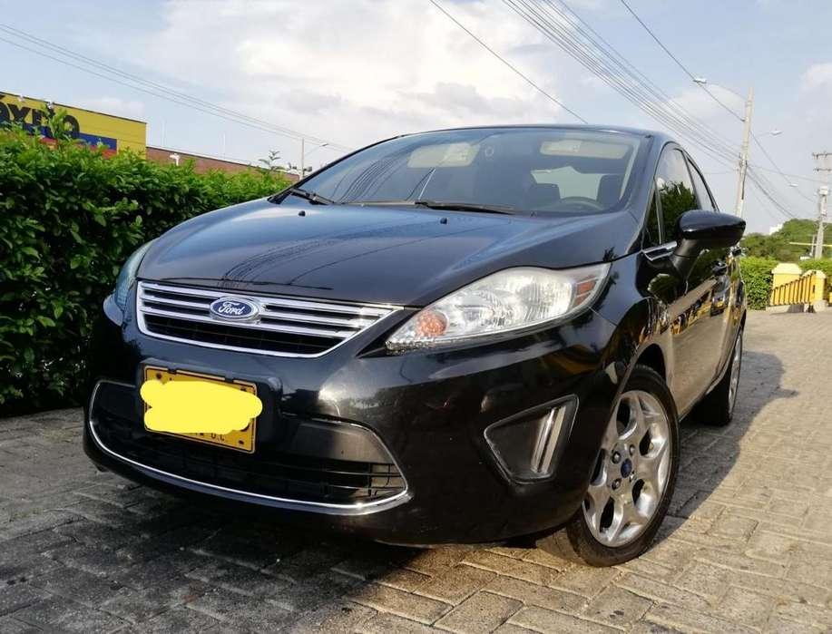 Ford Fiesta  2012 - 105000 km
