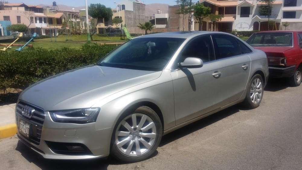 Audi A4 2012 - 10500 km