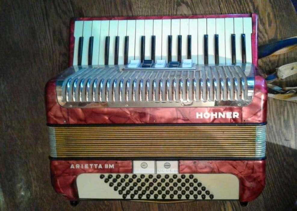 acordeon Hohner arietta en tercera 72 bajos MUY LIVIANO