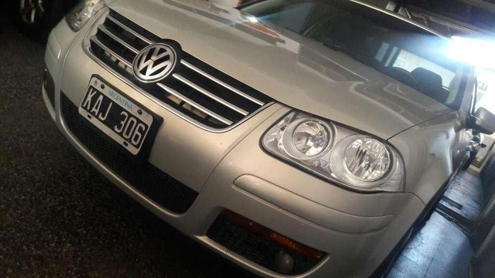 Volkswagen Bora 2011 - 195500 km