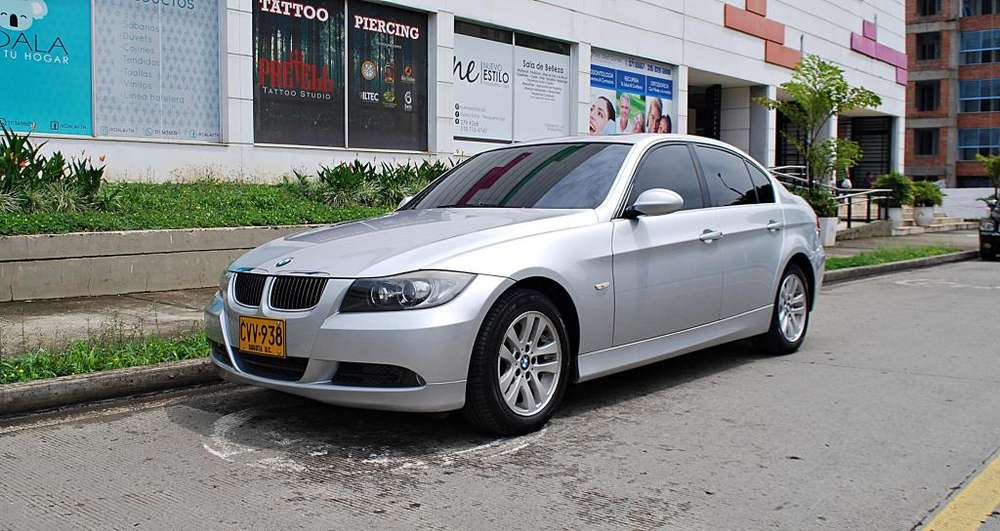 BMW Série 3 2008 - 29384 km