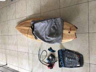 TABLA DE SURF DE BALSA 6.0X21X2 CON TODO LOS <strong>accesorios</strong>
