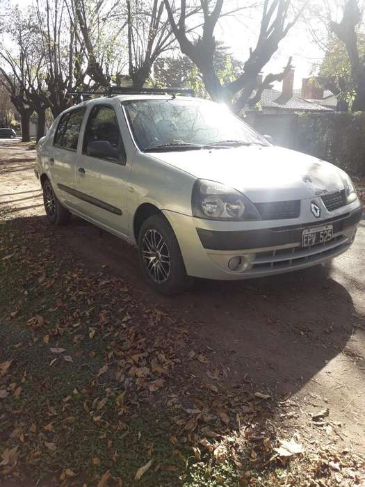 Renault Clio  2004 - 142000 km
