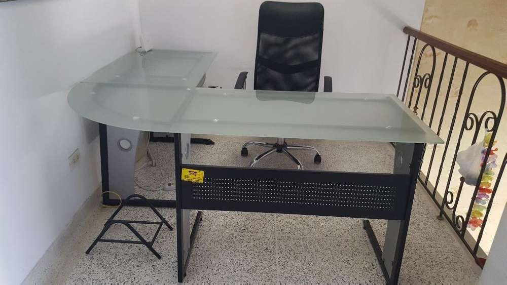 <strong>escritorio</strong> en L 1.6x1.60 M Y Silla