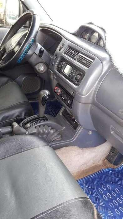 Mitsubishi Montero 1996 - 100000 km