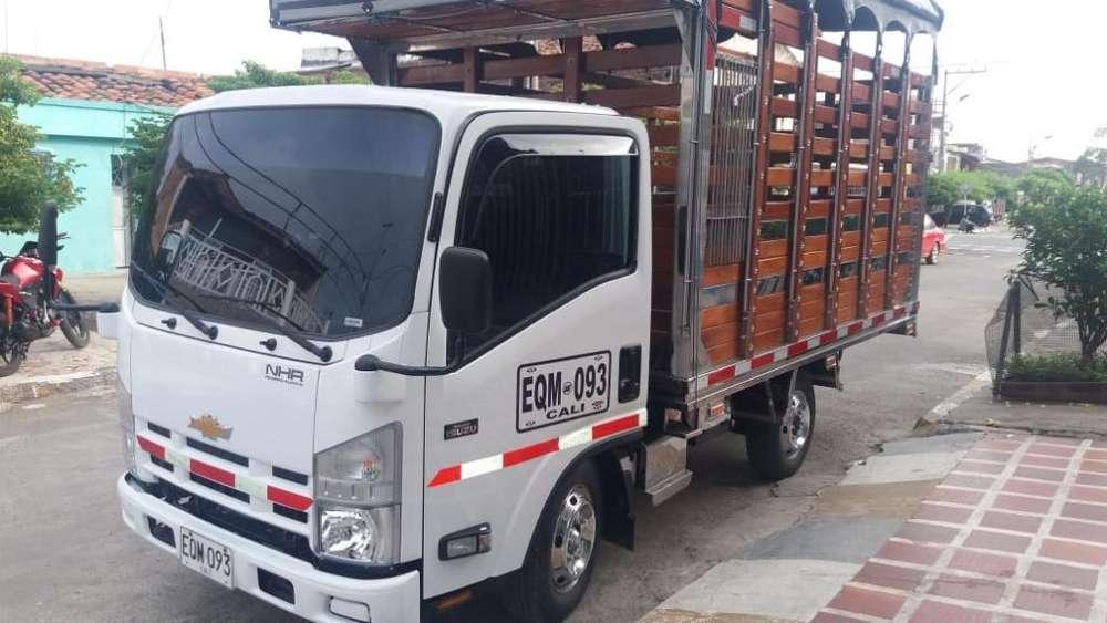 Se Ofrece Camion para Trabajar