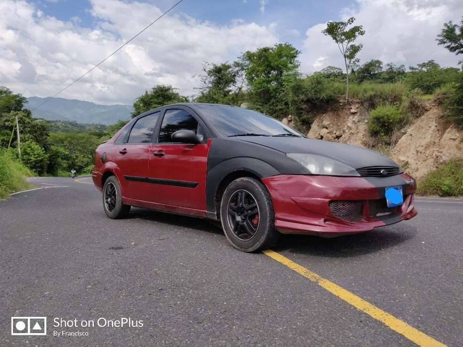 Ford Focus 2000 - 106296 km