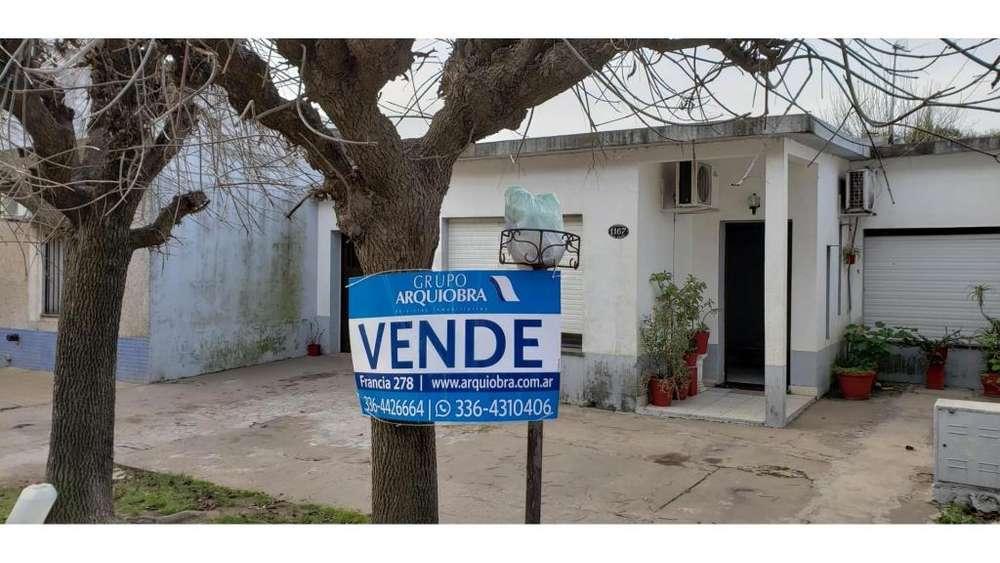 Leodegario Cordova 1167 - UD 100.000 - Casa en Venta