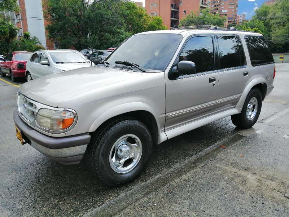 <strong>ford</strong> Explorer 1997 - 10000 km