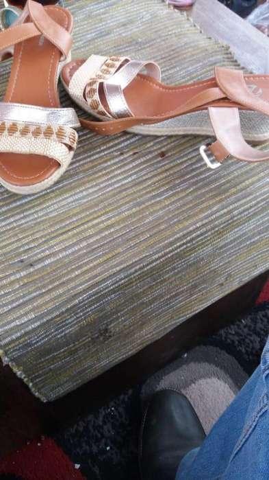 liquidación zapatos zapatillas para ellas (Bata)