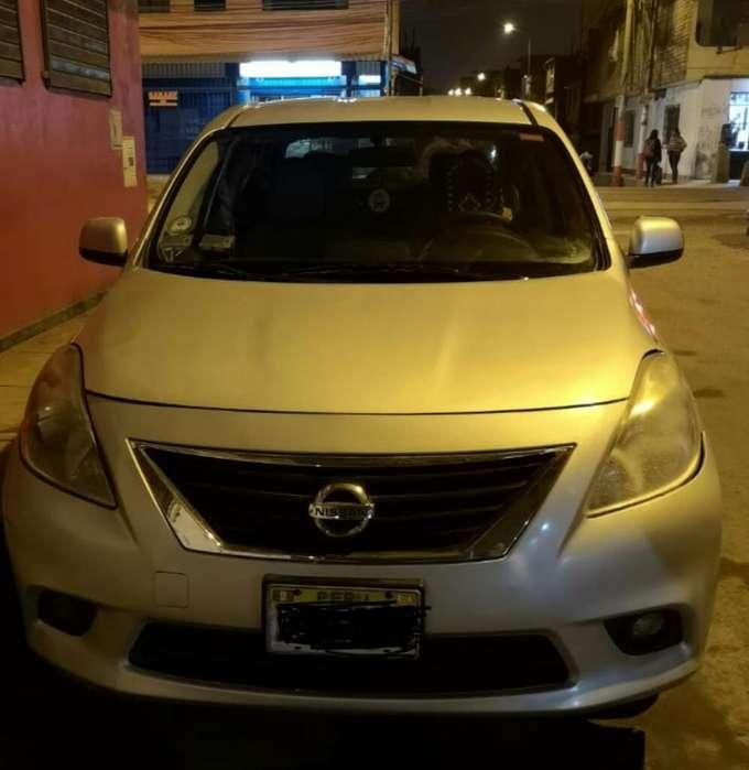 Nissan Versa 2012 - 220000 km