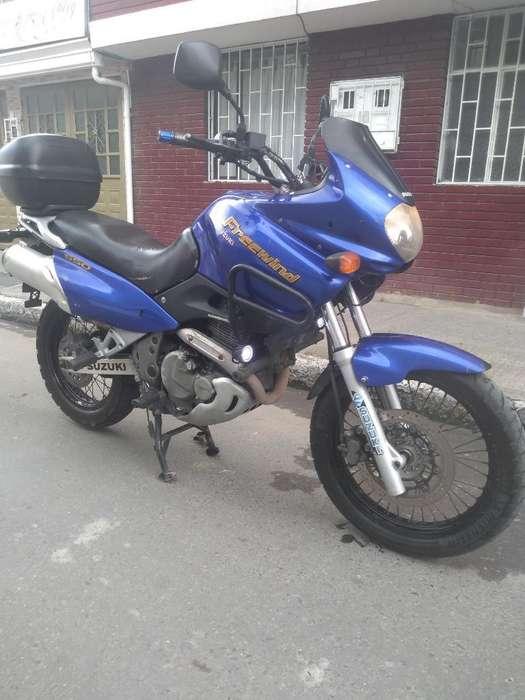 Se Vende Suzuki Freewind 650