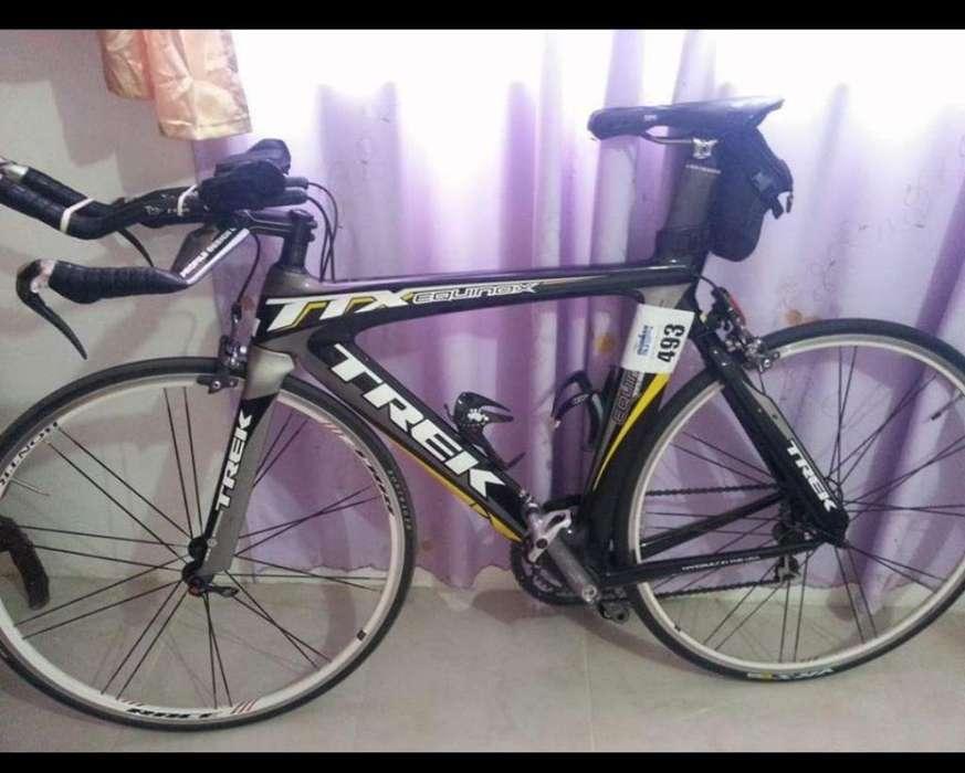 <strong>bicicleta</strong> Trek Full Carbono de Triatlon