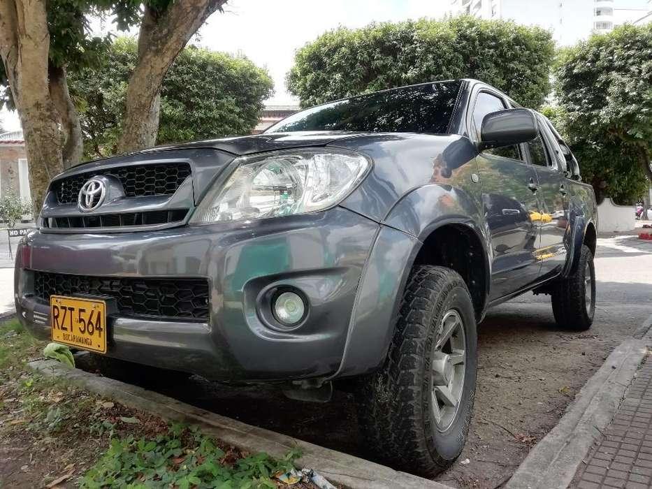 Toyota Hilux 2010 - 148000 km