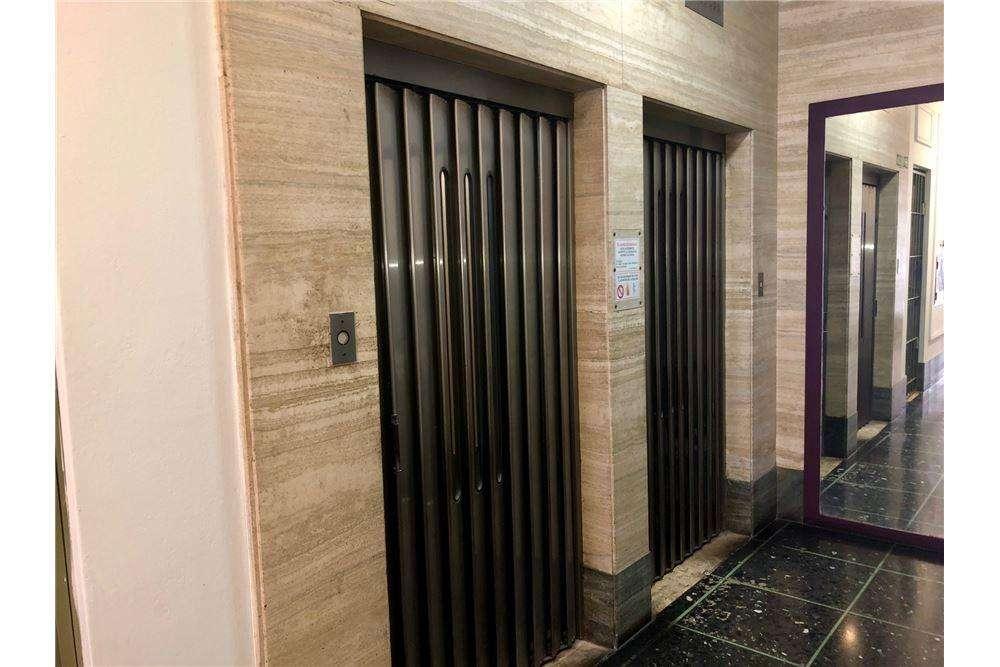 Luminosa Oficina 5 ambientes Alquiler