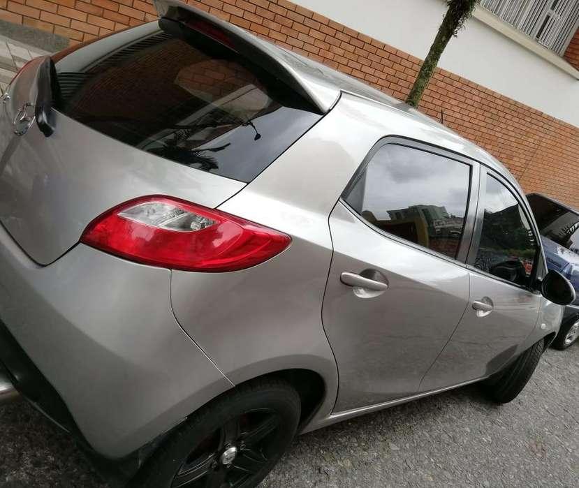 Mazda 2 2011 - 76000 km