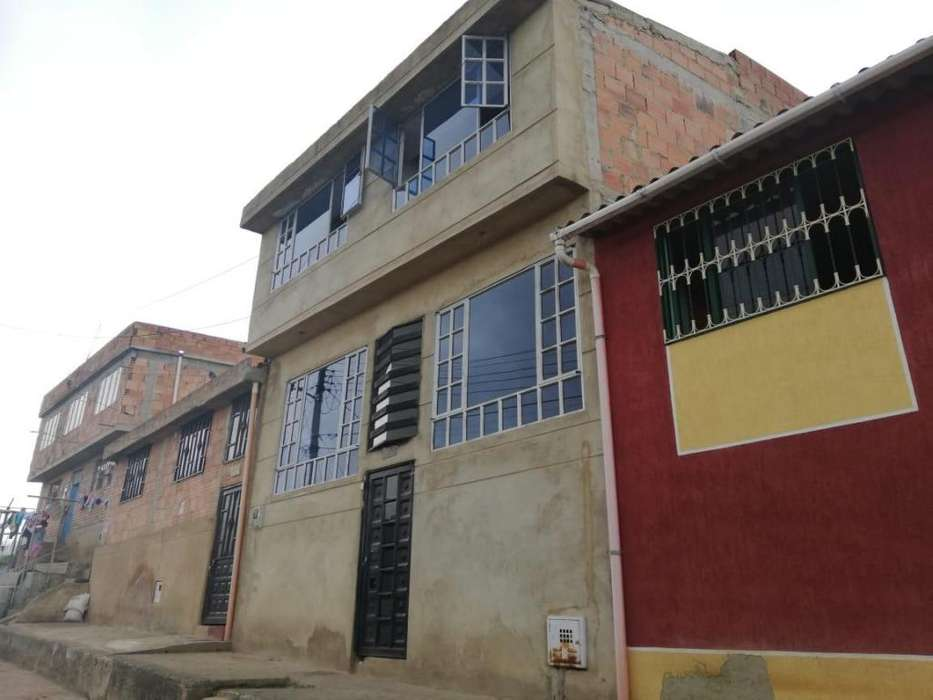 casa en venta sibate con tres <strong>apartamento</strong>s cerca a soacha san mateo via bogota fusa