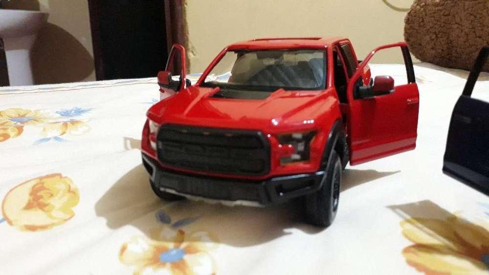 Carros de Colección Ford Escala 1:24.