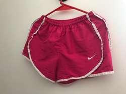 Vendo Short Deportivo Rosa Talle 4