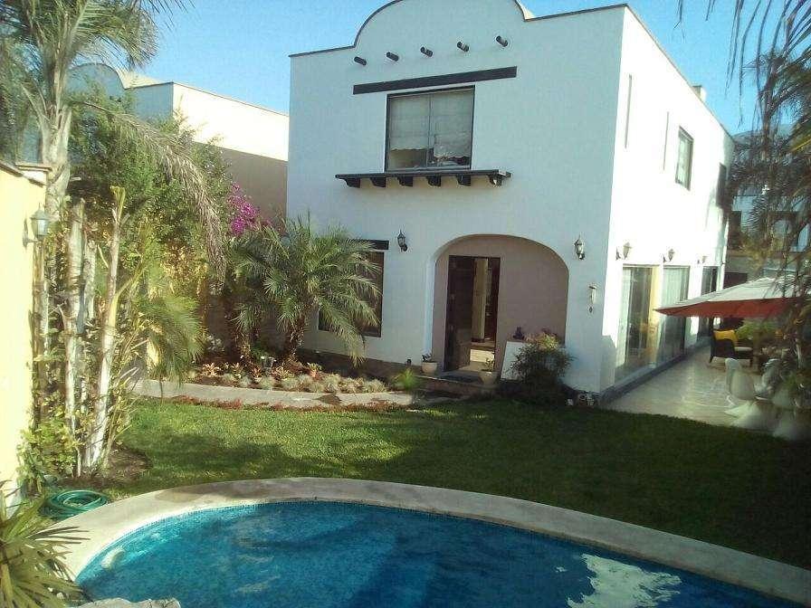 <strong>casa</strong> en Venta en Condominio en La Molina