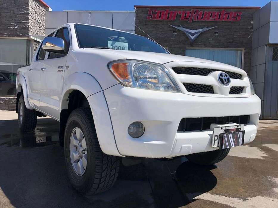 Toyota Hilux 2008 - 156000 km