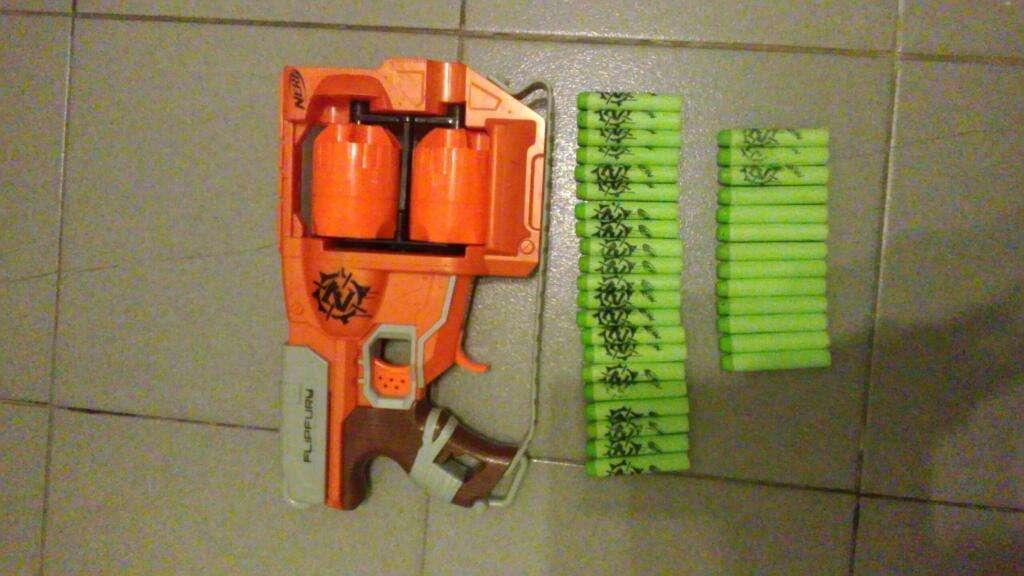Arma Nerf Zombie 34 Dardos Impecable
