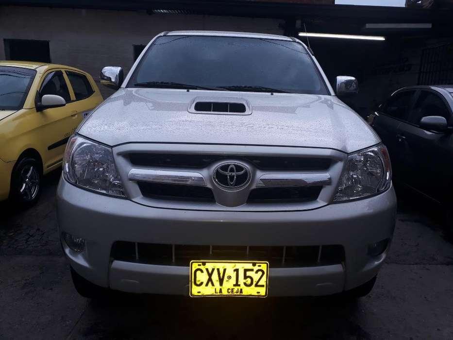 Toyota Hilux 2008 - 206000 km